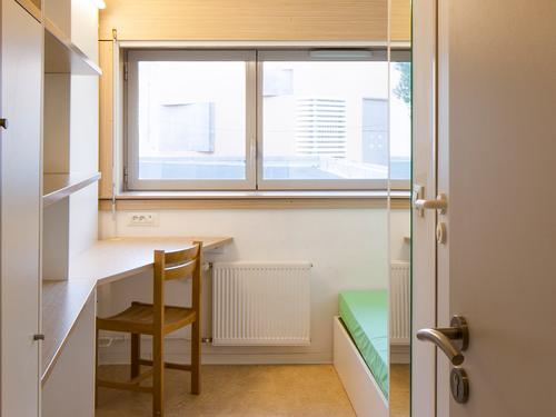 Logement individuel  CITE LUCIEN CORNIL (168 avenue St Pierre - 13005 MARSEILLE)