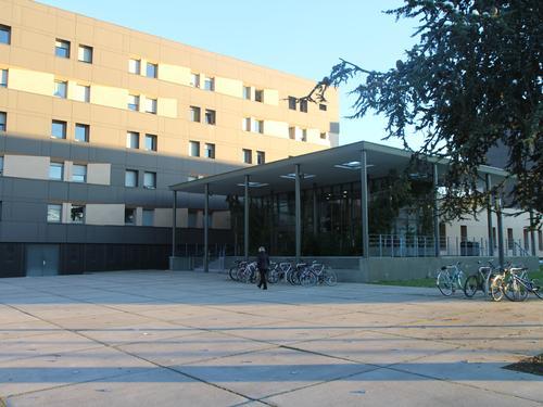 Logement individuel  CITE DESCARTES (11-13-15 rue Raoul FOLLEREAU 86022 POITIERS CEDEX)