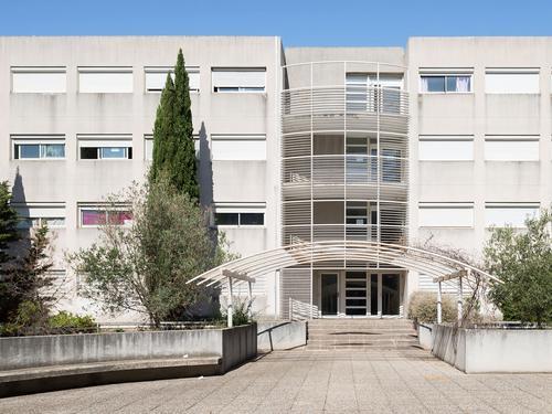 Logement individuel  RESIDENCE ALICE CHATENOUD (10 rue Henri Poincaré -13388 Marseille (email: cu.chatenoud@crous-aix-marseille.fr))