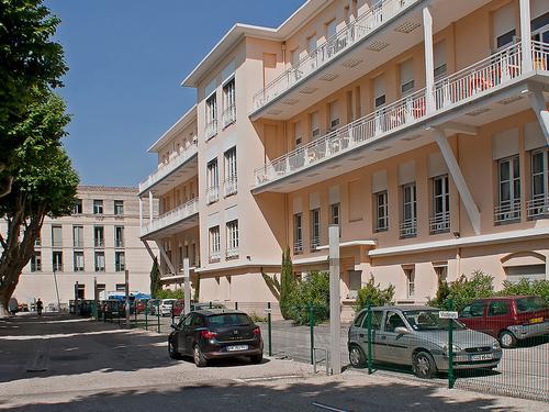 Logement à partager  RESIDENCE LA GARIDELLE (10, rue St Bernard - 84000 AVIGNON (email : cu.garidelle@crous-aix-marseille.fr))